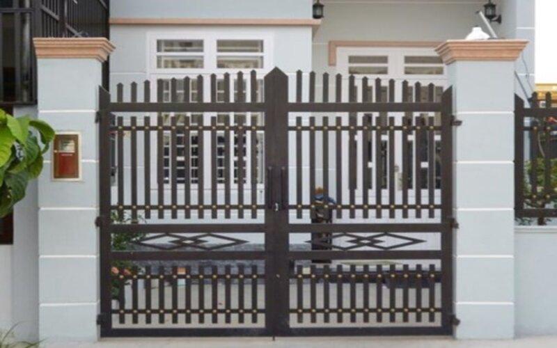 Cửa sắt giúp tân trang và bảo vệ ngôi nhà